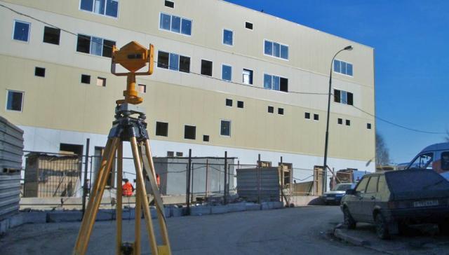 Наблюдение за деформацией сооружений с помощью специального оборудования