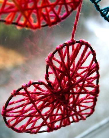 Сердечка з дроту і нитки