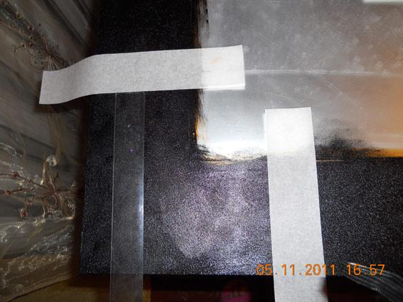 Применяем бумажный скотч для разметки границ рисунка