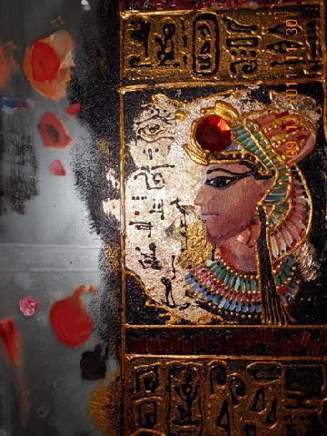 Голова фараона — поталь, акрил и контур, законченный рисунок
