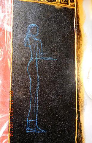 Намечаем рисунок пастельным мелком