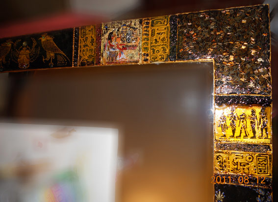 Правый верхний угол декора зеркала