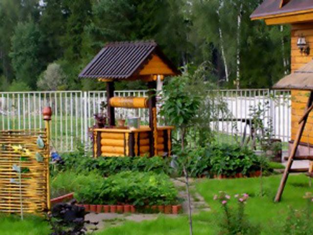 Красивий справжній колодязь для саду