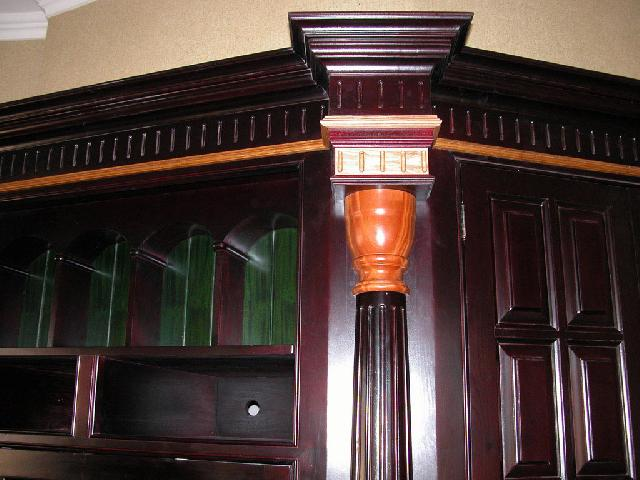 Корпусная мебель, исполнена под индивидуальный заказ в английском стиле