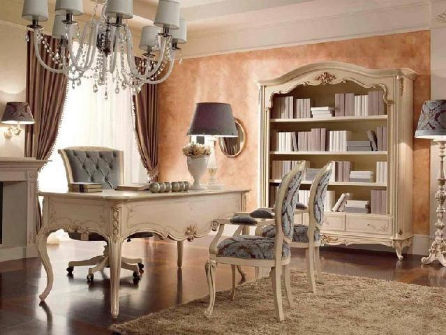 Стиль барокко в интерьере кабинета узнается по искривленным формам, инкрустации и позолоте мебели; из исторических стилей считается одним из наиболее роскошных