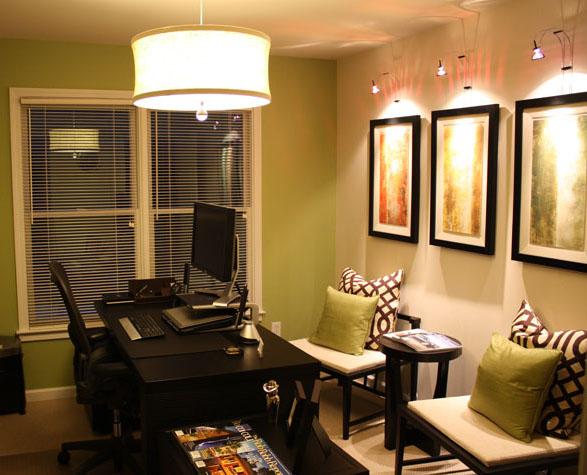 Дизайн кабинета в доме должен учитывать возможность приема гостей