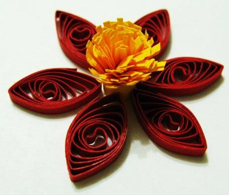 Варіант квітки з пелюстками «око»