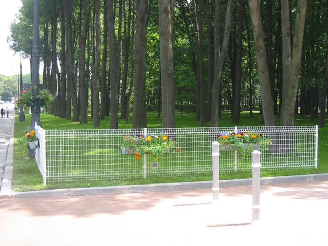 Панельные системы ограждений Betafence, со слоем цинка, защищенные от коррозии