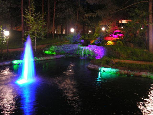 Гра води і світла