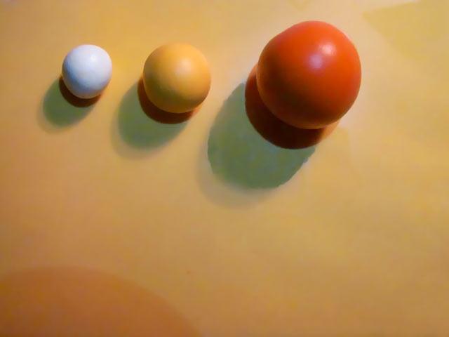 Основа роботи — кульки трьох кольорів