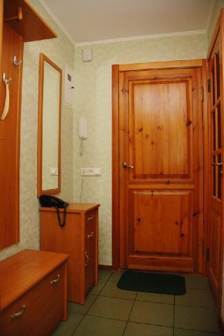 Пример мебели, гармонично дополняющей дизайн интерьера прихожей