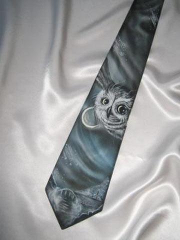 Роспись галстука — горячий батик