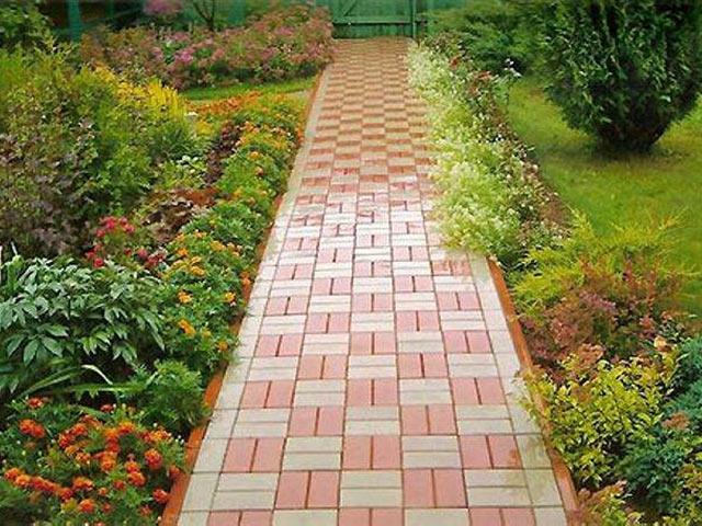 Варіант садової доріжки з тротуарної плитки