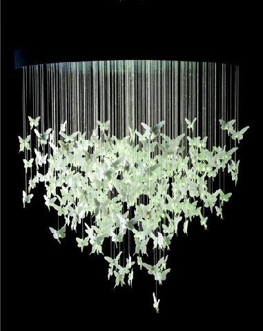 Люстра з метеликами