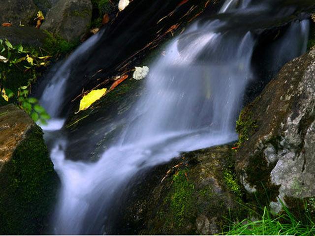 Водоспад для японського саду