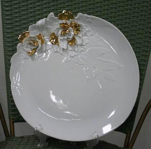 Позолочений посуд