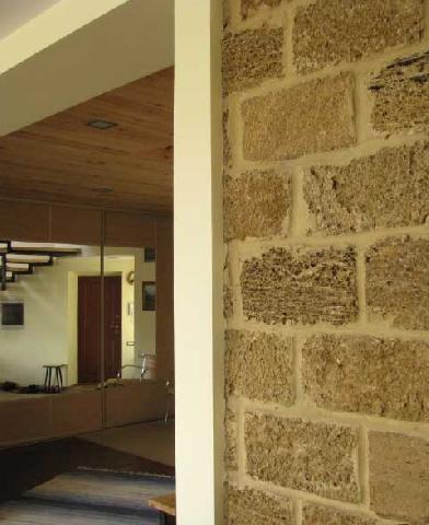 Внутренняя отделка стен дома из ракушняка