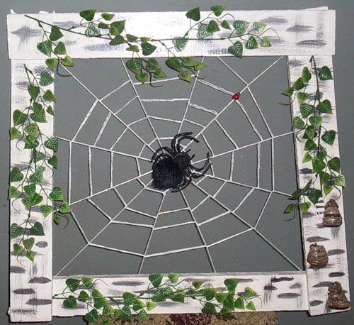 Фрагмент панно с паутиной