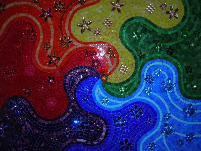 Панно из пластиковой микромозаики и стразов