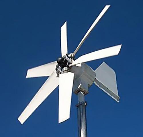 Ветрянная электростанция с шестью лопастями и радиусом ветроколеса 2 м