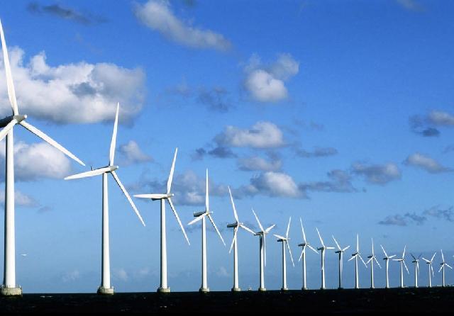 Промышленные электростанции на берегу Северного моря с использованием лопастей крыльчатого типа