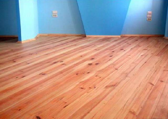 Підлога з сухої соснової шпунтованої дошки