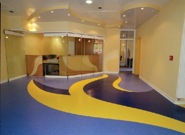 Коммерческий линолеум используют в жилых помещениях