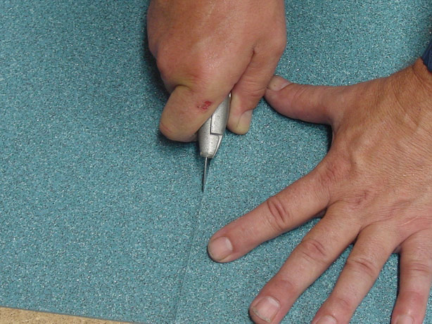 Процесс подготовки стыков под сварку шнурком