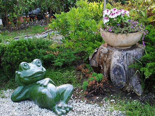 Фигуры для сада и огорода своими руками - Поделки