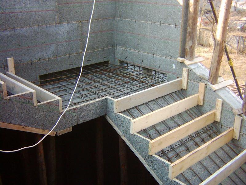 Делаем бетонные ступеньки