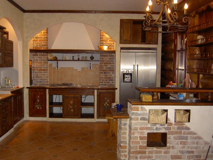 Частный дом - интерьер кухни смотрим на фото.
