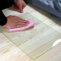 Матування скла пастою – протирання скла ганчіркою
