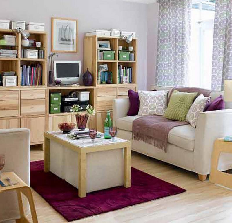Небольшая гостиная не должна быть перегружена мебелью и аксессуарами