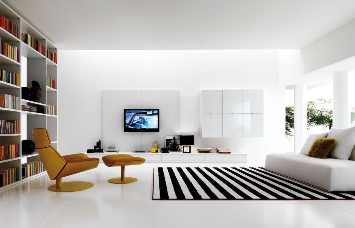 Слишком большой зал подавляет своим пространством