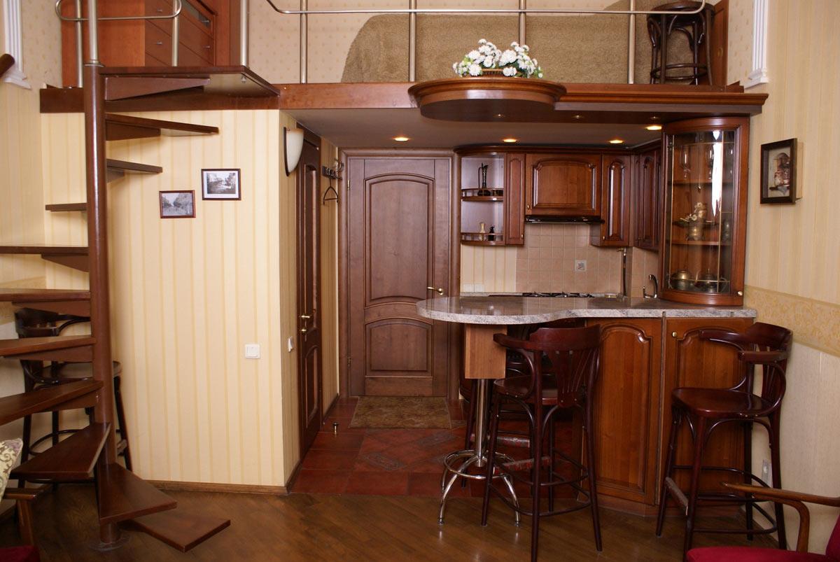 Двухуровневая квартира в классическом стиле