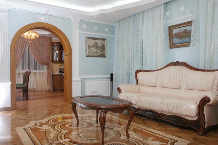 Декоративная кладка пола – характерный признак классического стиля в гостиной