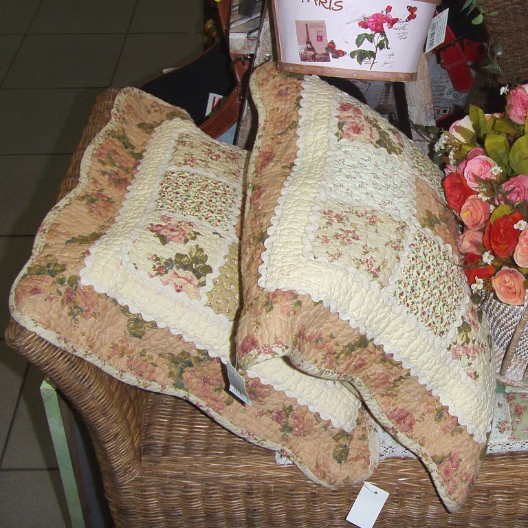 Пример подушек для гостиной