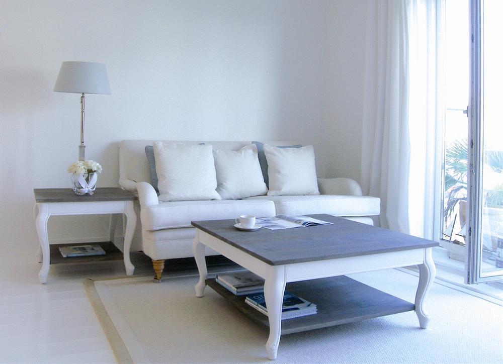 Отсутствие состарености мебели компенсирует цветовая гамма мебели и ее форма