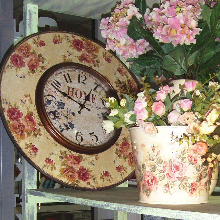 Такие часы станут прекрасным украшением гостиной