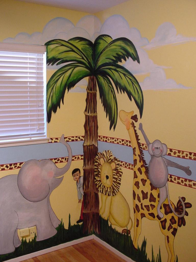 Детскую комнату в стиле саваны поможет создать подобная разрисовка стены