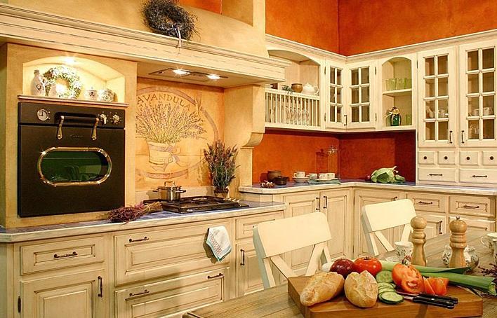 Вариант оформления кухни в оранжевых оттенках