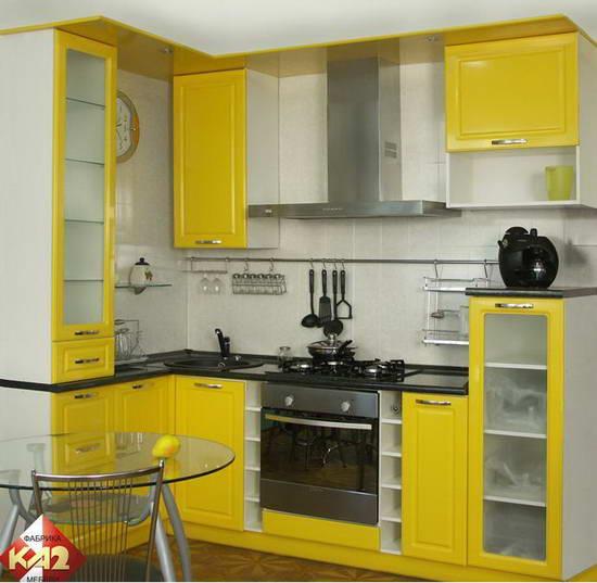 Возможен вариант желтой кухни в стиле модерн