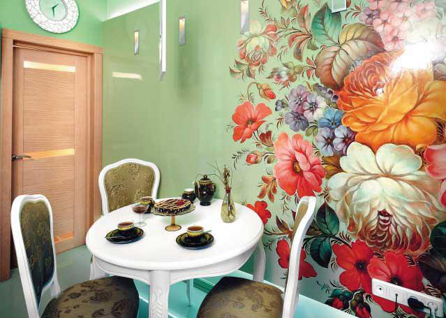 Вариант росписи стены кухни в украинском стиле