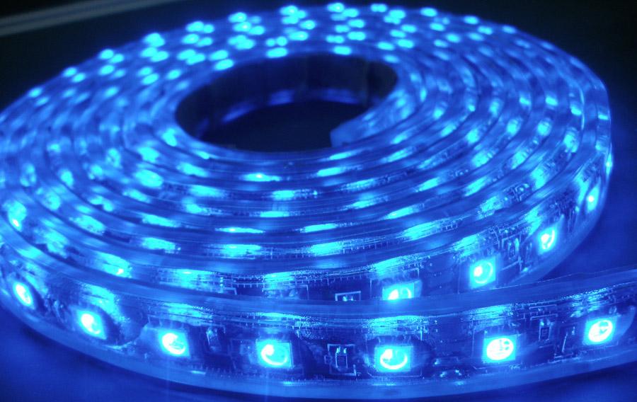 Світлодіодна стрічка може в застосуються в інтер'єрі хай-тек