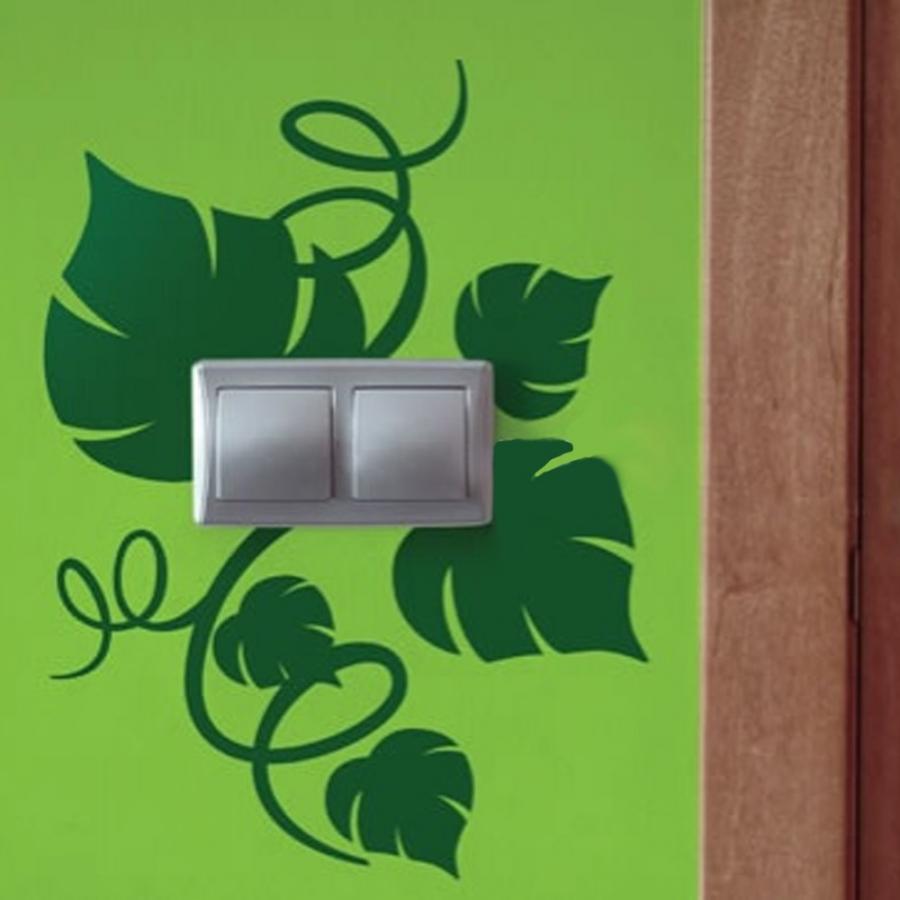 С помощью наклейки на стену можно создавать оригинальные яркие акценты в интерьере