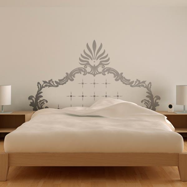 Отделка стен виниловой наклейкой в спальне