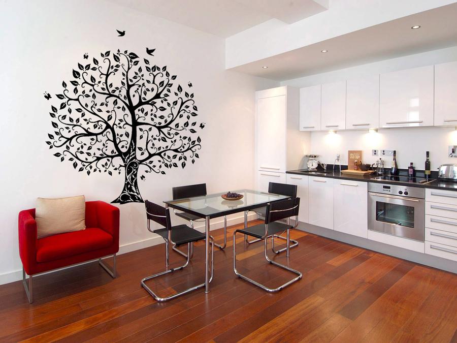 Пример использования настенных наклеек в интерьере кухни