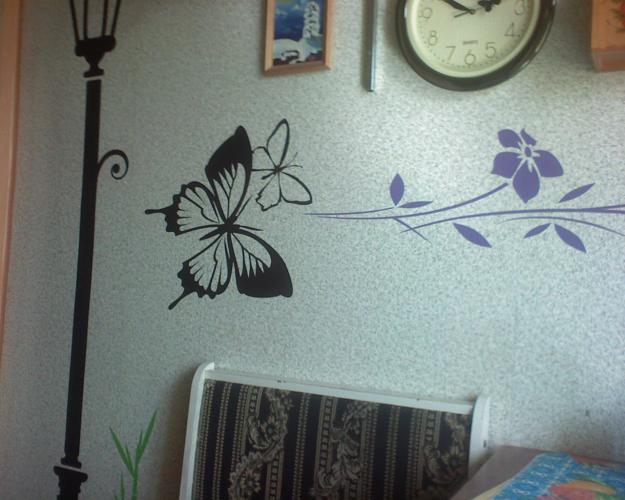 Наклейка на стену способна не только украсить интерьер, но и придать ему некую изюминку