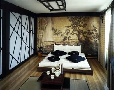 Натяжной потолок в спальни японского стиля