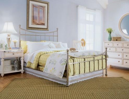 Светлые и мягкие тона – то, что нужно для спальни в стиле кантри